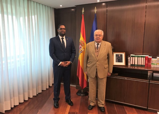 The Constitutional Court receives the Secretary of the Constitutional Court of the Dominican Republic for a working visit.