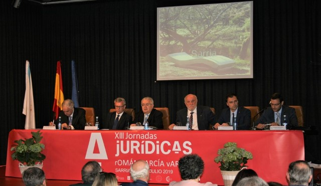 "The President of the Constitutional Court, Mr. Juan José González Rivas, participated in the 13th edition of the ""Román García Varela"" Law Seminar, which was held in the city of Sarria (Lugo)."
