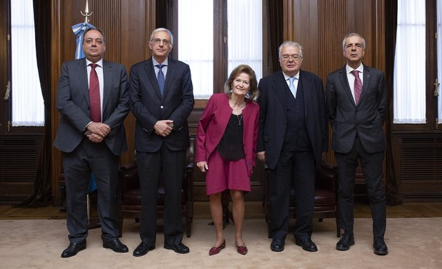 The President of the Constitutional Court, Mr. Juan José González Rivas, was received by Minister Elena Highton de Nolasco, Vice-President of the Supreme Court of Justice of Argentina.